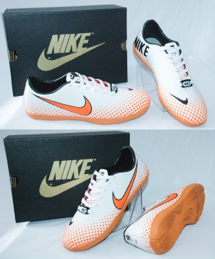Futsal Nike & Adidas fd45e22a3b2abe88c911a7a2a84fdb76